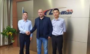 Нови попълнения при автоматичните безконтактни автомивки на Leisuwash
